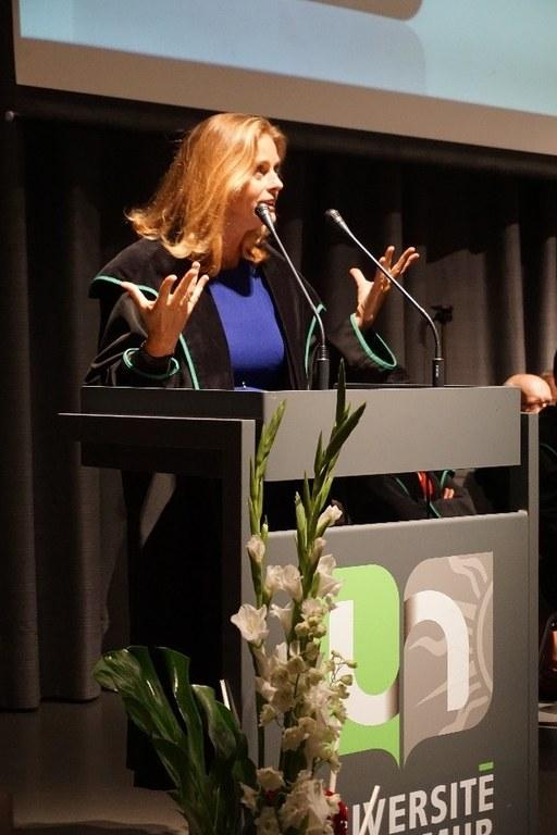 Nathalie Colette-Basecqz à la séance de diplomation des bacheliers en droit en 2015